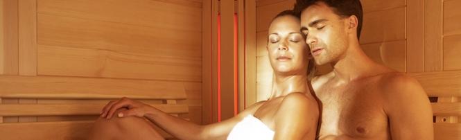 Die eigene Sauna – und das ganz nach Ihrem eigenen Wunsch! Sie sind nicht fündig geworden dann designen Sie sich Ihre Wohlfühl-Oase doch einfach selbst: BON POOL macht es möglich, Infrarotsauna, Dampfsauna, finnische Sauna Sie bestimmen Einzelheiten und das Design wir realisieren es. Sie liefern die Idee und wir Ihnen eine umfassende Auswahl an verschiedenen Elementen und Zubehör für Ihre neue Sauna! Wir sind Saunahersteller